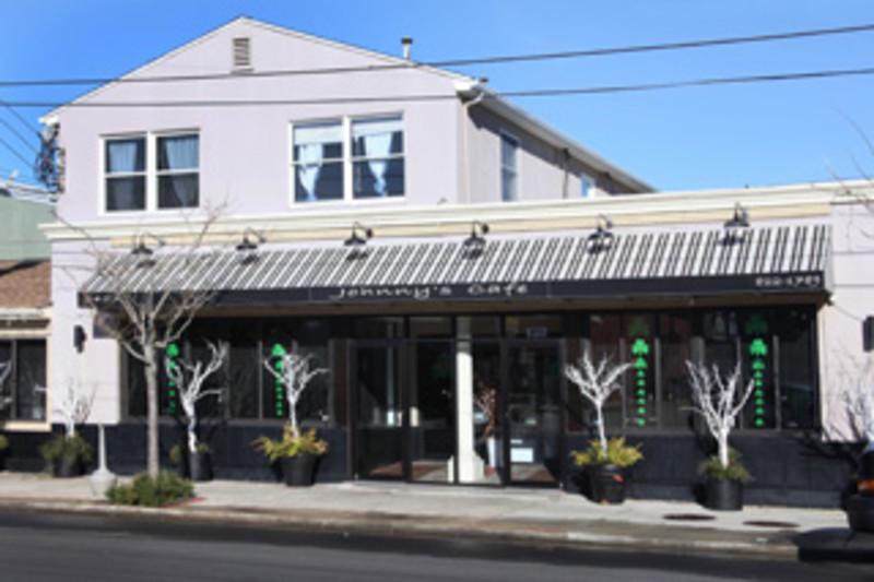 Johnny's Cafe & Lounge