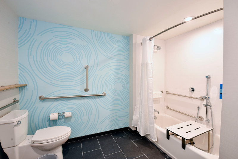 Accessible tub bathroom