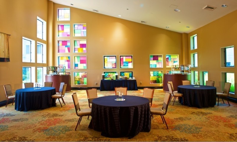 Overland Room with valuted ceiling and stainglass windows
