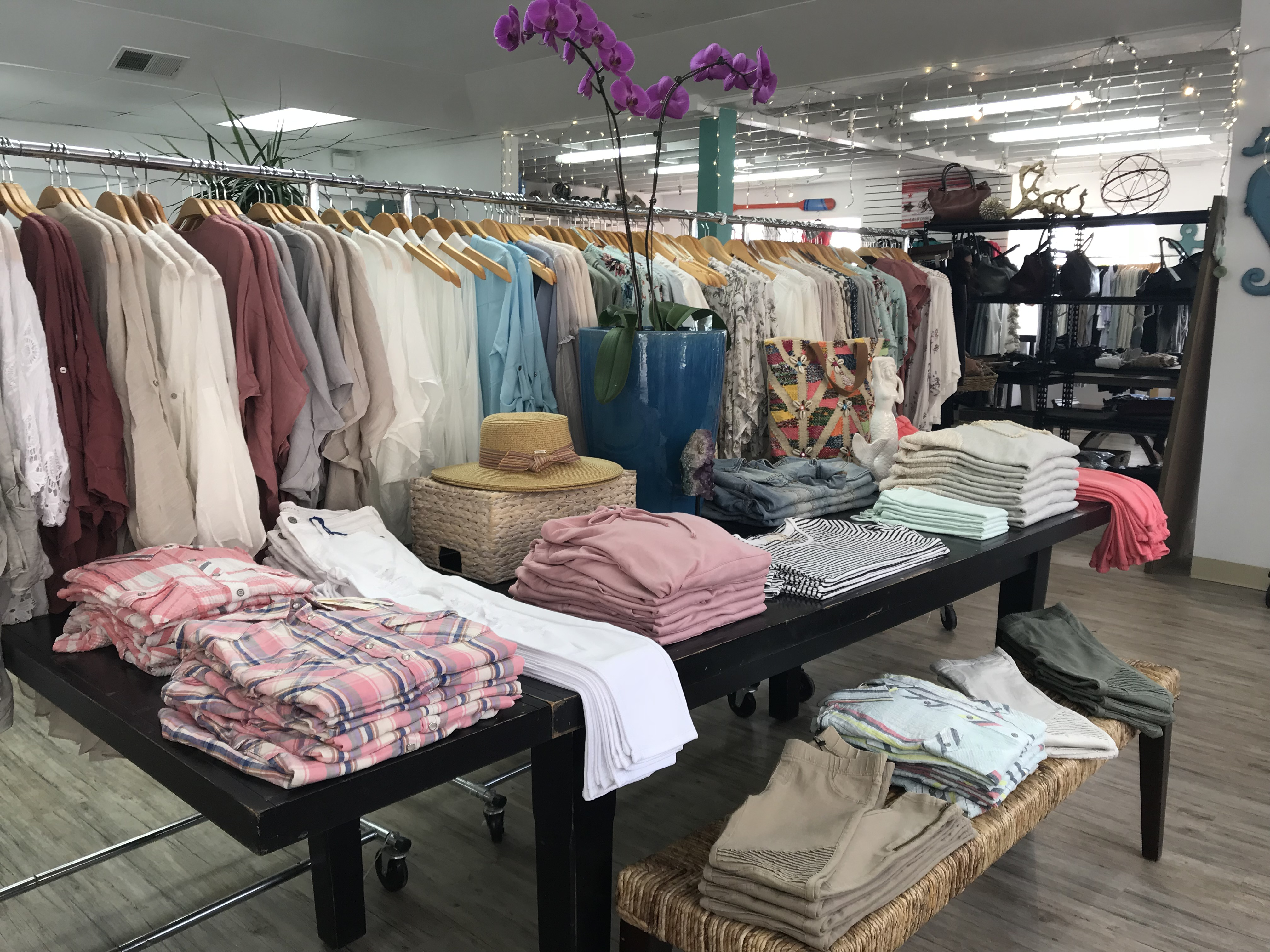 Shopping In Ventura Ca Malls Outlets Amp Boutiques