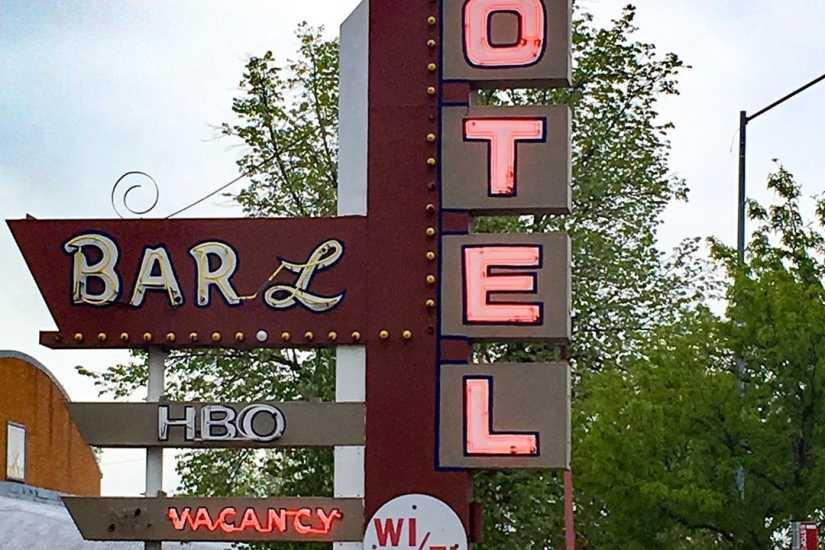 Bar L Motel