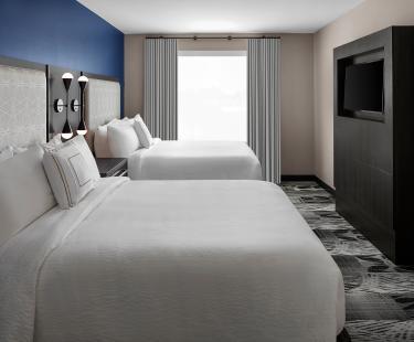Queen/Queen One Bedroom Suite