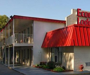 NEW Econo Lodge Colonial Heights