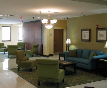 Holiday Inn Express Downtown Lobby