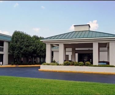NEW Motel 6 Ashland