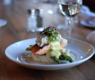 Carson's Dining: Salmon