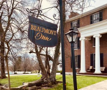 Beaumont Inn Exterior