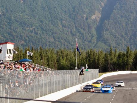 NASCAR Late Models take the Green Flag