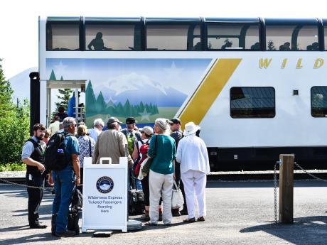 Alaska Tour & Travel