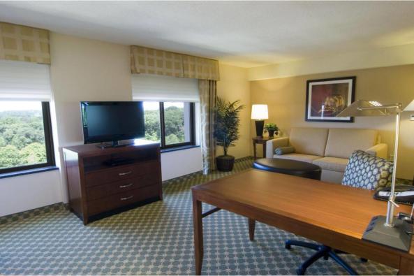 1050_Homewood Living Room.jpg