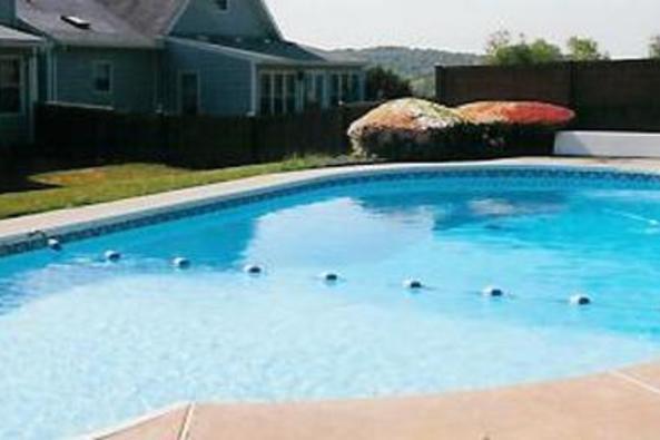 10921_4676_middle grove inn pool.jpg