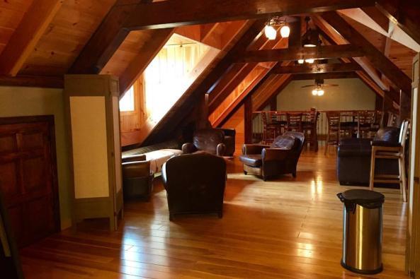Loft/Bridal Suite