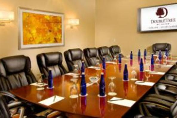137293_4526_double tree sterling meeting space.jpg