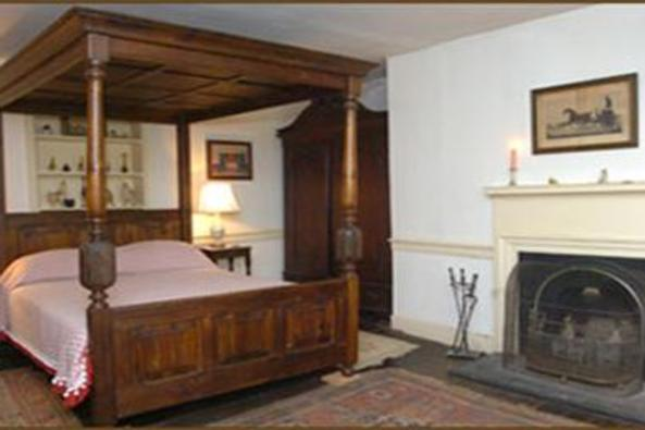 146760_4539_welbourne room.jpg