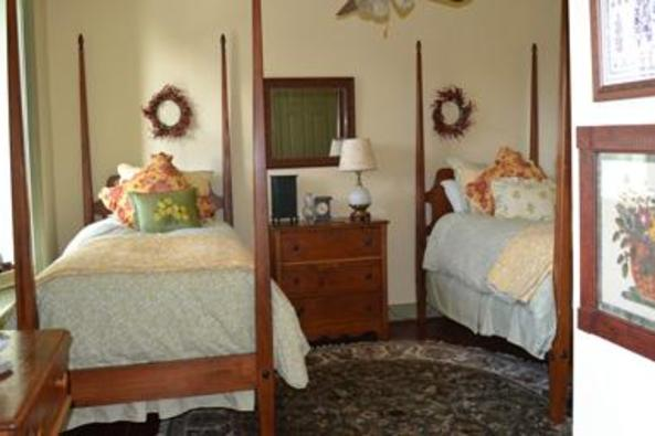 148918_4712_fieldstone room 4.jpg