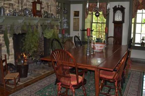 148918_4714_fieldstone room dining.jpg