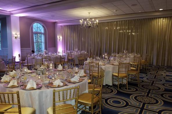 Elegant Momentz Table