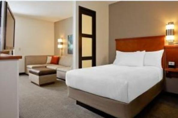 2435_4382_double room.JPG