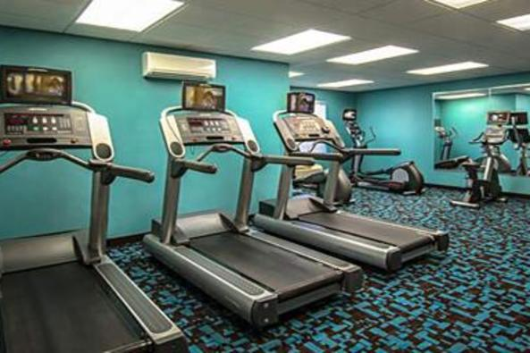 2561_4823_Fairfield Inn Gym.jpg