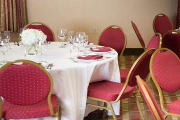 9471_4587_comfot suites event set up.jpg