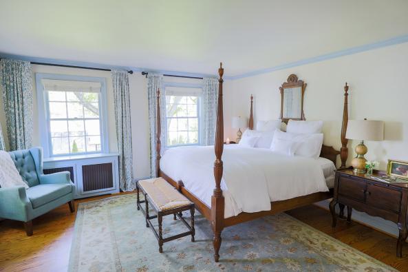 Red Fox Inn Suite