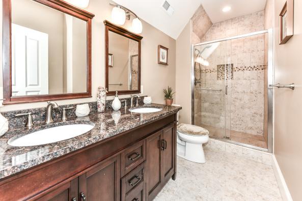 UPPER ROOM BATHROOM