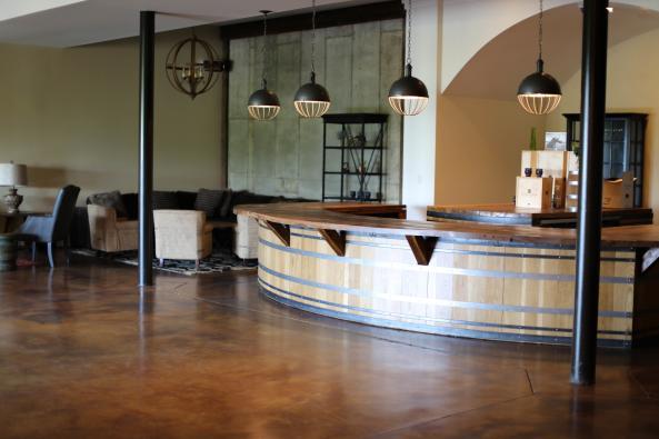 Barrel Club Bar