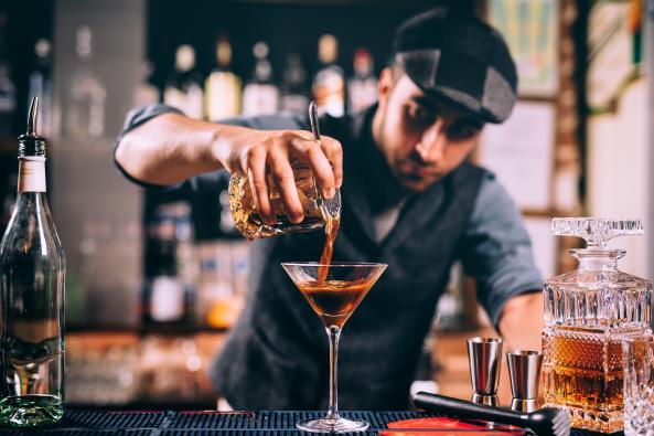 bar louie pour