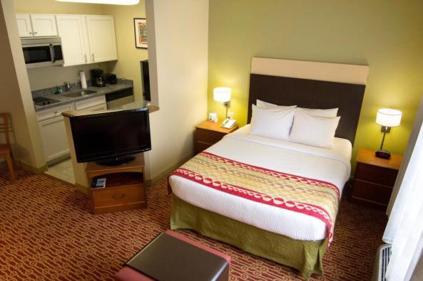 Hawthorne Suites Image 2