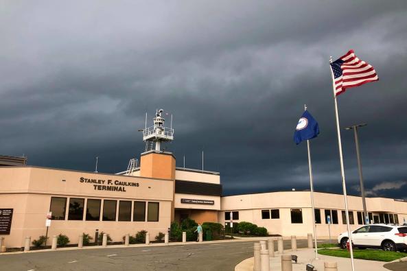 leesburg executive airport image 1
