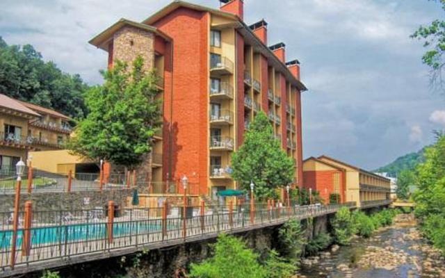 River-Terrace-1.jpg