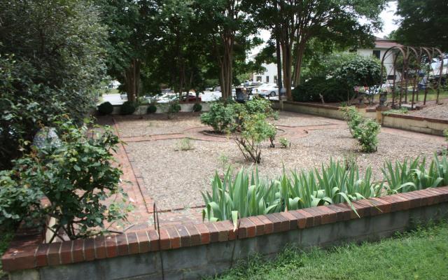 blandwood-garden-1.jpg