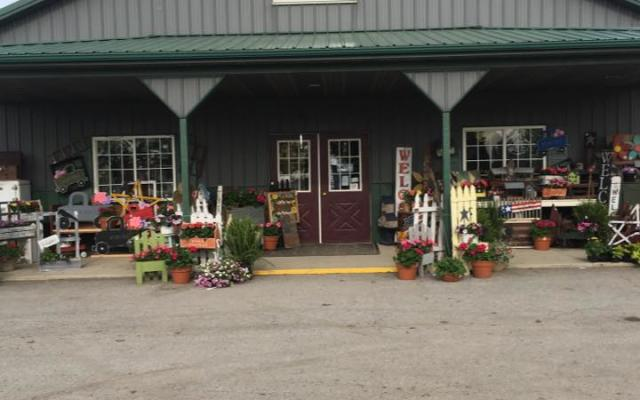 Brown's Accents Candles & Country Store