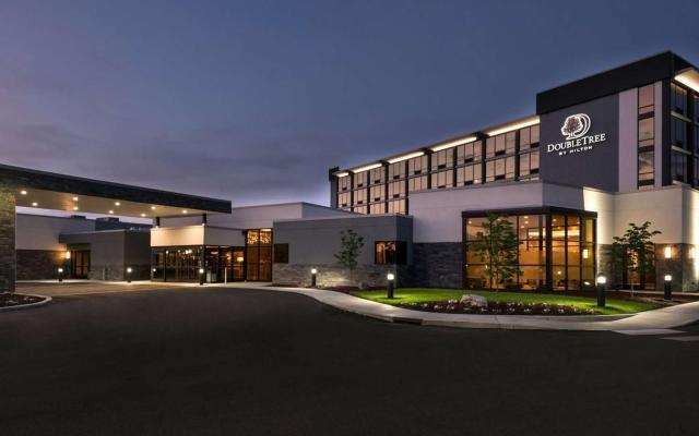 DoubleTree by Hilton Exterior