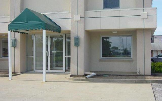 Prestige Inn Exterior