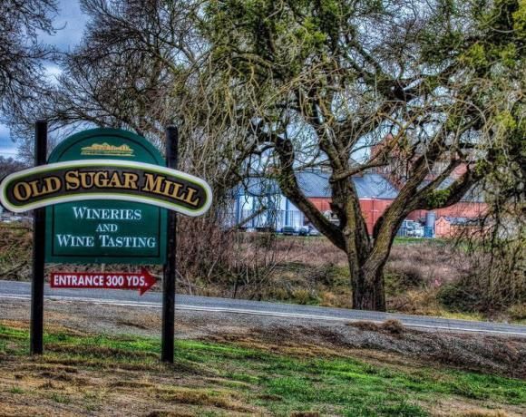 Welcome to Wine Country 20 Minutes from Downtown Sacramento