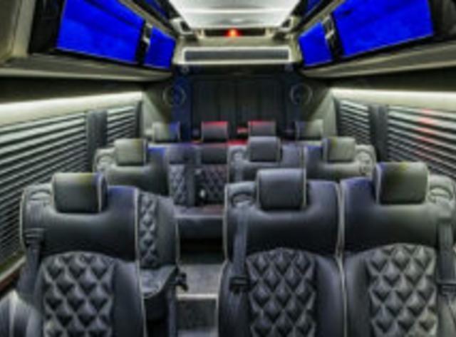 Deluxe Limousine & Worldwide Transportation