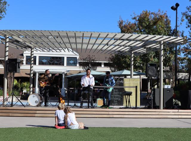 Live Music at Central Park