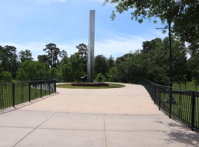 Millennium Sculpture in the daytime
