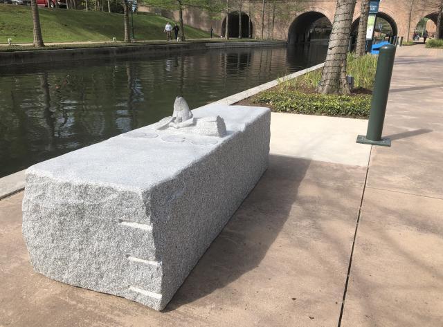 Mipenipa Art Bench