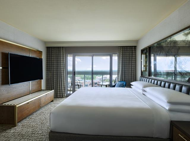 The Woodlands Waterway Marriott King Suite Guest Room