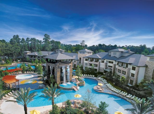 Lazy River and Waterpark at The Woodlands Resort