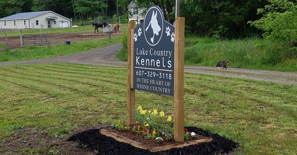 Lake Country Kennels - Roadside Sign