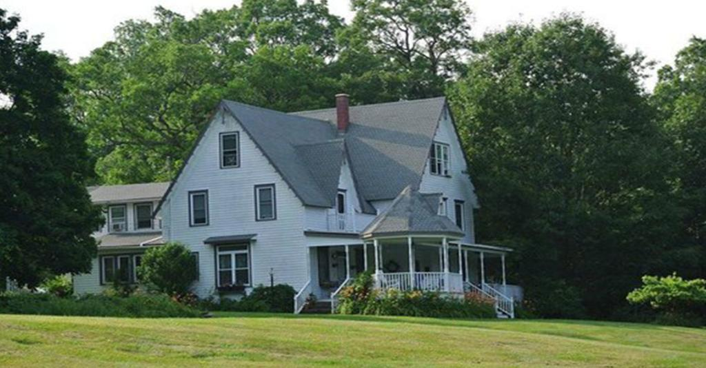 Lake House - Exterior