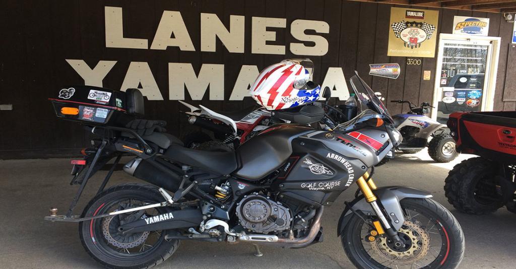 Lane's Yamaha - Bike & Building Exterior