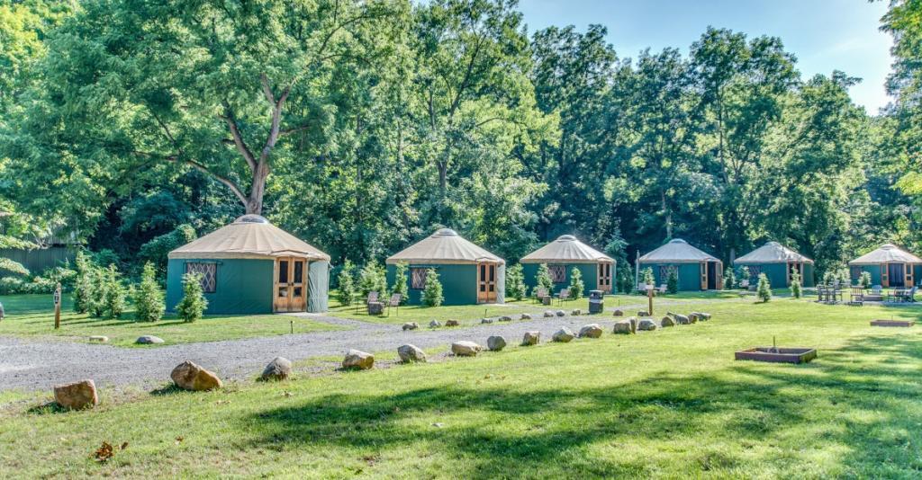 Plum Point Lodge - Yurt Exterior
