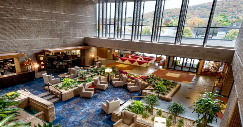 Radisson Hotel Corning - Interior Lobby