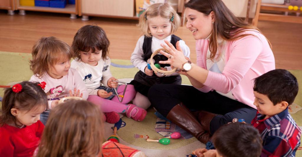 Schuyler Head Start - Teacher & Students