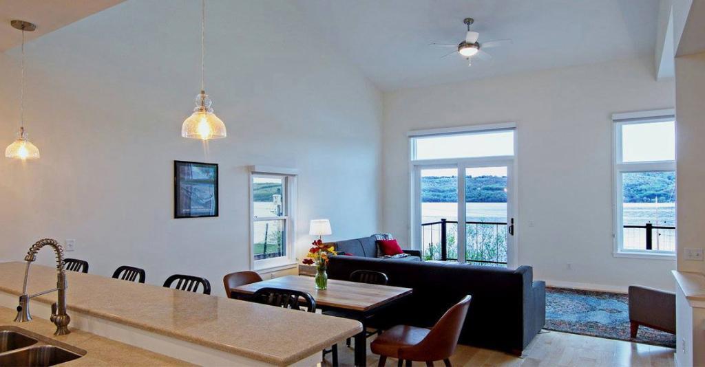 Watkins Brewery Vacation Rentals - Rental Interior with Lake View