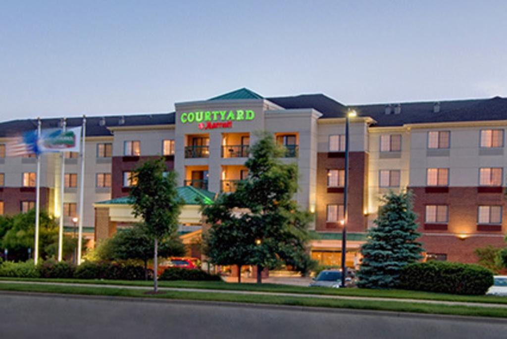 Courtyard by Marriott-Madison East_Image 1